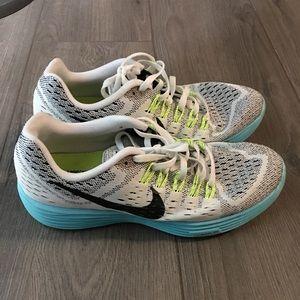 Nike women's 9